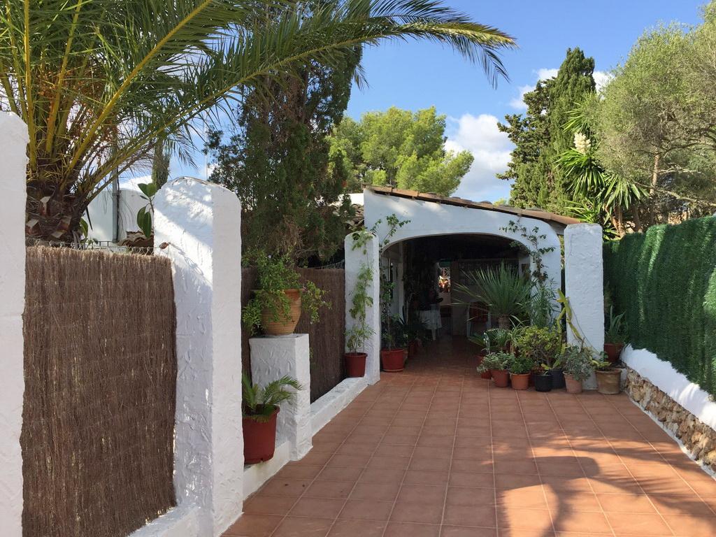 Villa con jard n y piscina en cala murada behome mallorca - Casas para alquilar en mallorca ...