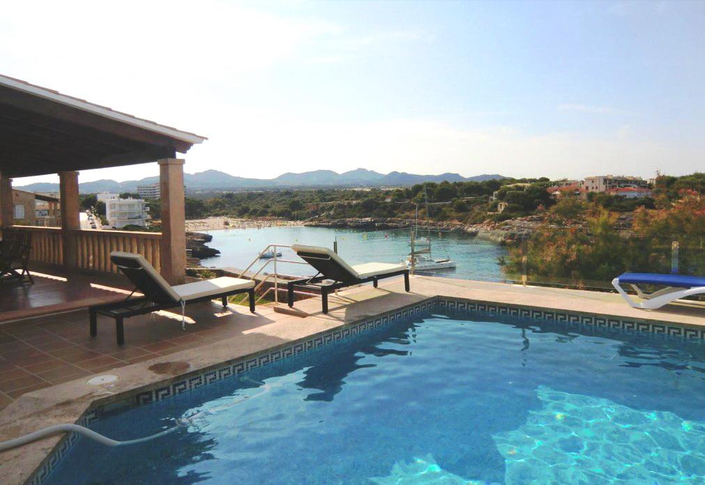 Chalet con piscina y vistas al mar_Cala Marçal_Portocolom_Mallorca