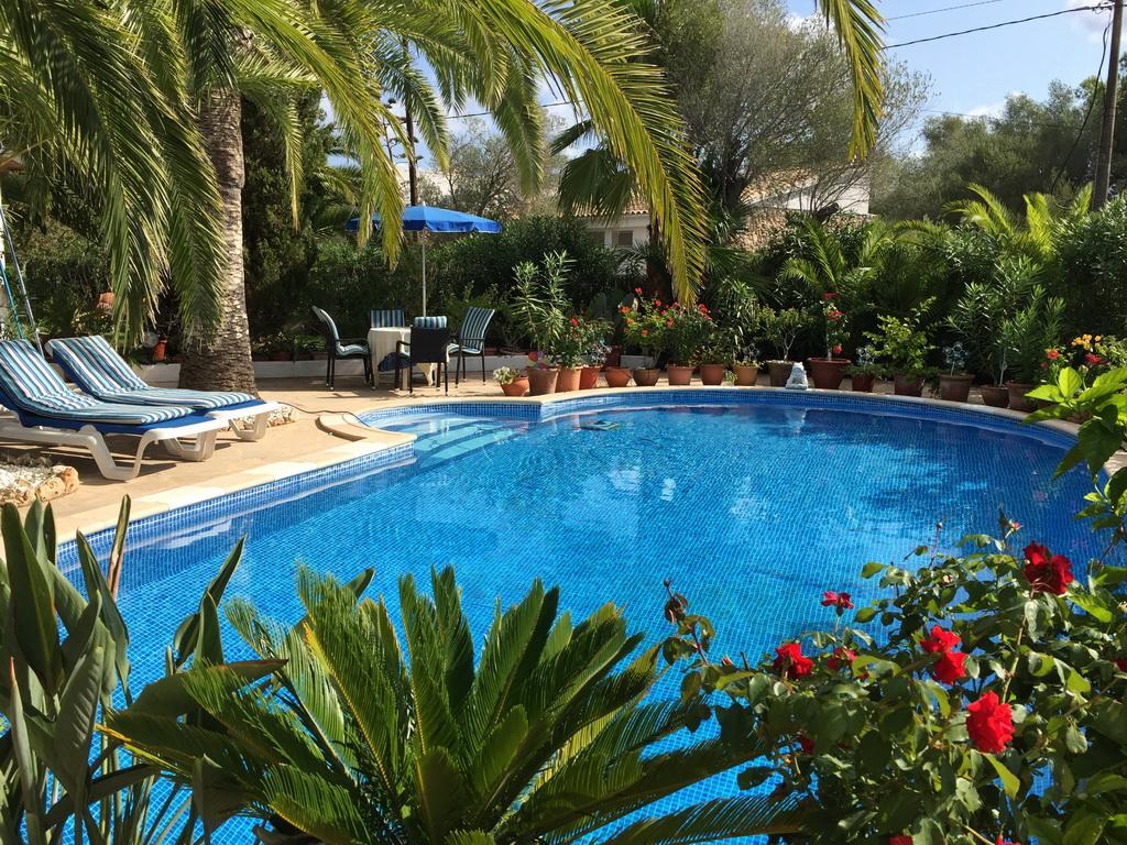 House_rent_Garden_Terrase_Pool_Cala Murada_Mallorca