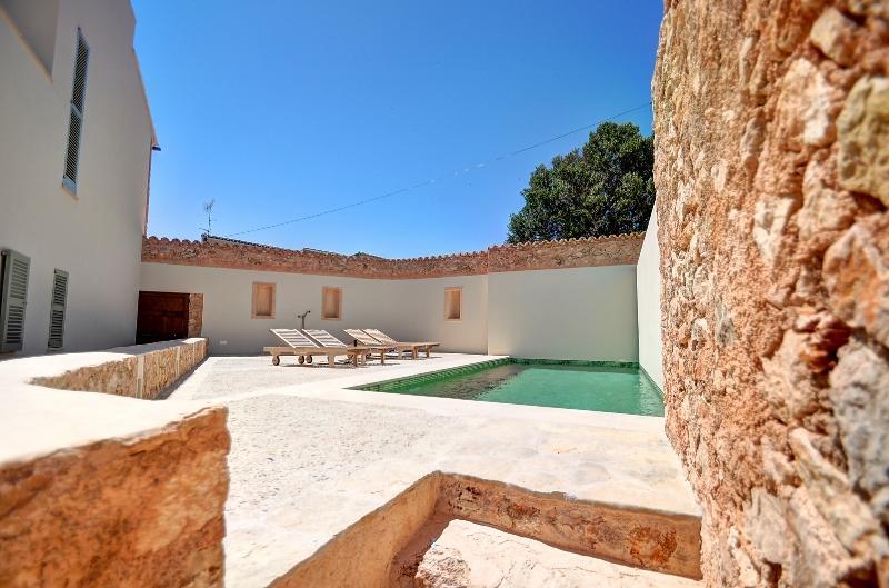 Helles Neubau mit Pool zum verkaufen_Alqueria Blanca